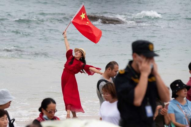 Tłumy Chińczyków oglądały start rakiety kosmicznej z kosmodromu Wenchang na wyspie-prowincji Hajnan /MATJAZ TANCIC /PAP/EPA