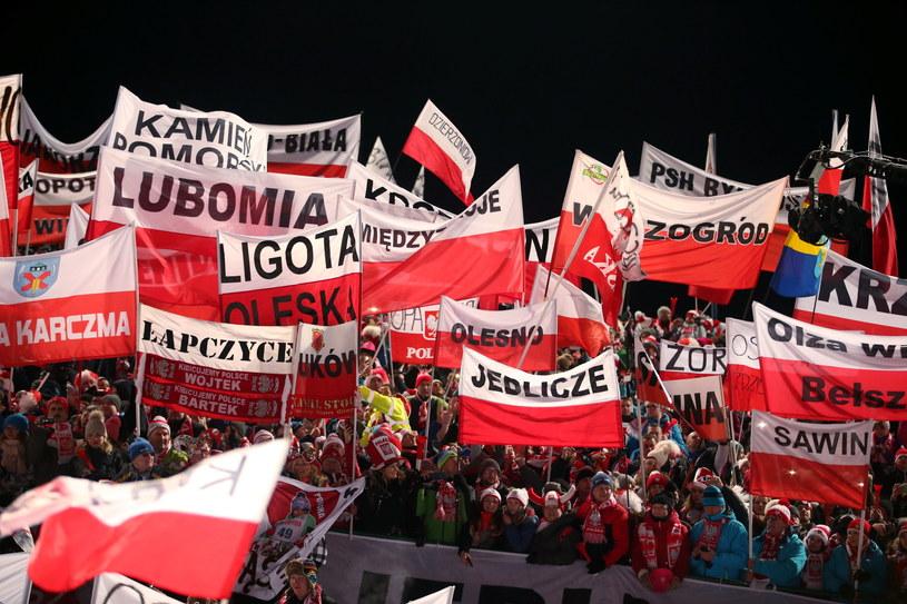 Tłumy kibiców pod Wielką Krokwią w Zakopanem /fot. Grzegorz Momot /PAP