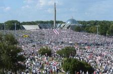 """Tłumy na marszu wolności na Białorusi. """"Tego już nie da się zatrzymać. Musi nastąpić zmiana"""""""