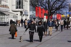 Tłumy turystów na sopockim molo