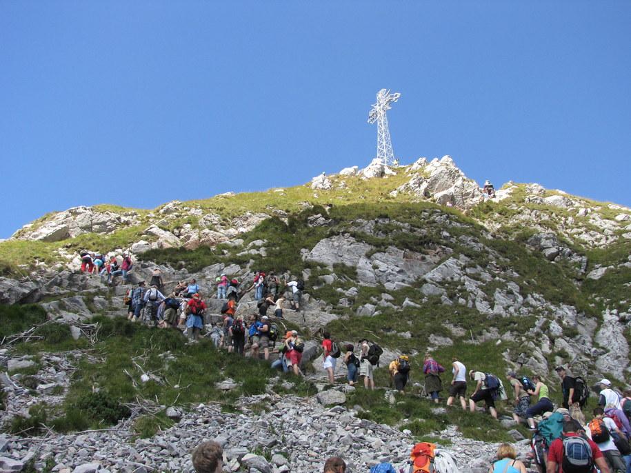 Tłumy turystów pod Giewontem /Maciej Pałahicki /RMF FM