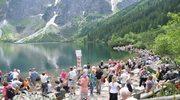 Tłumy turystów szturmują tatrzańskie szlaki