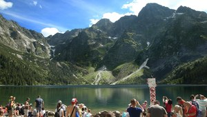 Tłumy turystów w górach