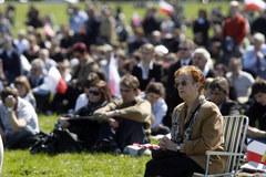 Tłumy zgromadziły się na krakowskich Błoniach