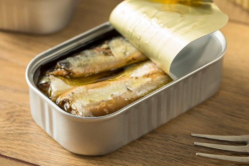 Tłuste ryby mają zbawienny wpływ na skórę /123RF/PICSEL