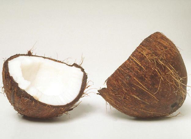 Tłuszcz kokosowy sprzyja odchudzaniu /© Bauer