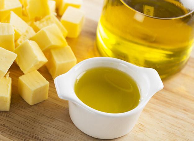 Tłuszcze z pożywienia są naturalnym źródłem cennych witamin. /123RF/PICSEL