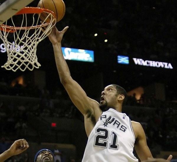 Tm Duncan utratował Spurs w meczu numer 5, czy uda mu się w szóstym starciu? /AFP