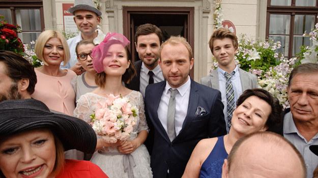 – To był dobry, choć bardzo intensywny czas – mówi Magda Kumorek, w finałowej scenie szczęśliwa panna młoda. /x-news/ TOMASZ URBANEK/ EAST NEWS /TVN