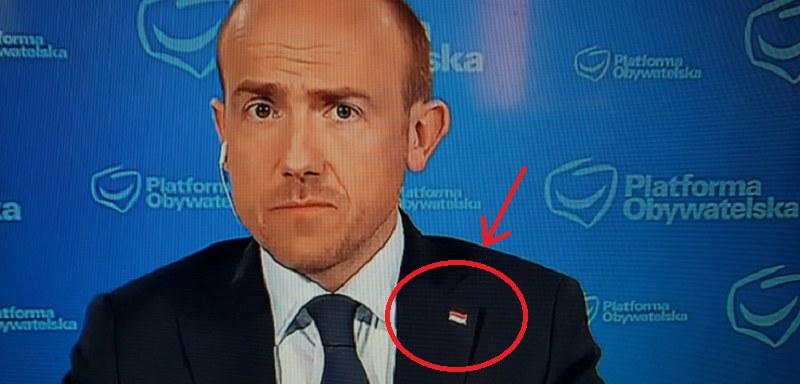 To chyba nie jest flaga Polski! /Twitter