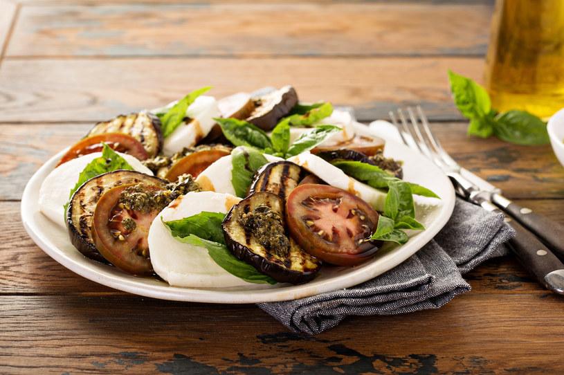 To danie idealnie sprawdzi się jako lekka kolacja /123RF/PICSEL