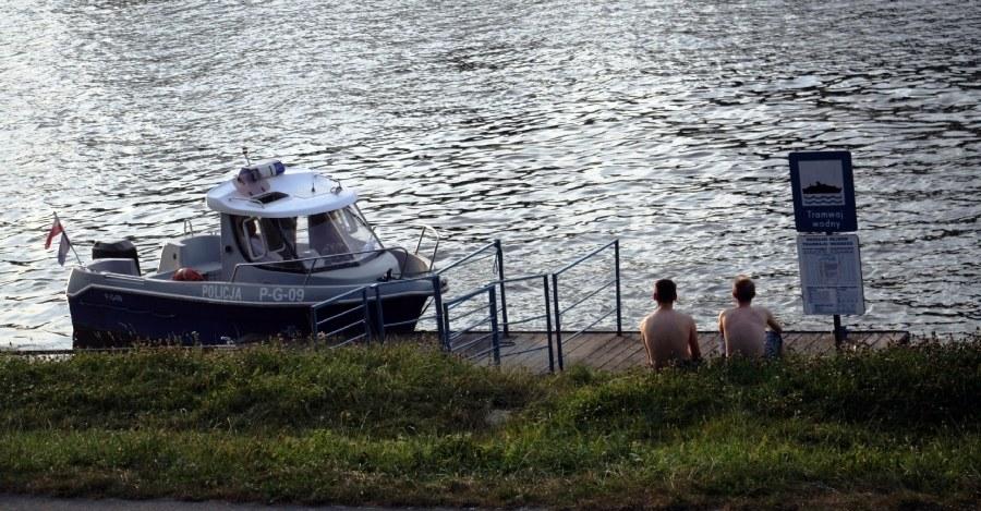 To już kolejny przypadek, kiedy kompletnie pijana para zabrała dziecko nad wodę /Maciej Nycz /RMF FM