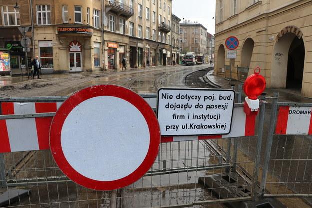 To już ósmy razy kiedy przesuwany jest termin oddania do użytku ulicy Krakowskiej w centrum Krakowa /Jacek Skóra /RMF FM