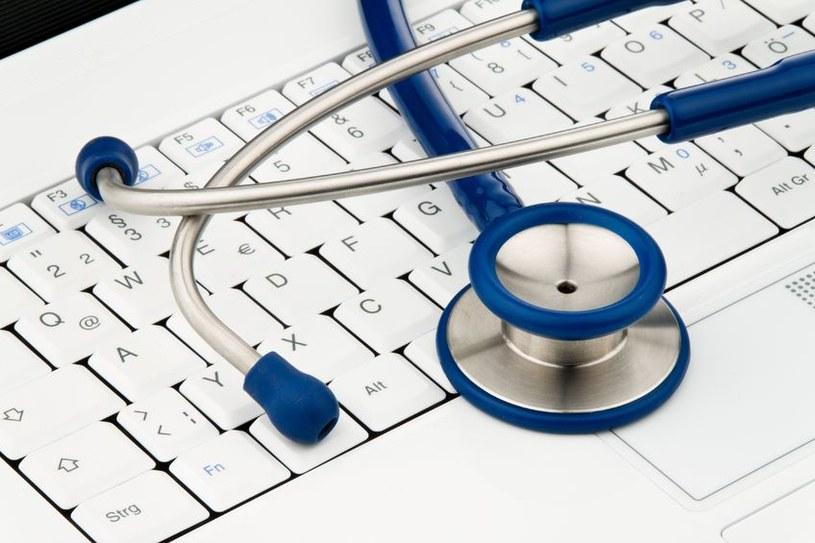 To komputer coraz częściej pomaga nam w umówieniu, a nawet odbyciu wizyty u lekarza /123RF/PICSEL