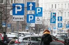 To koniec łupienia kierowców w strefach parkowania? Wyrok sądu!