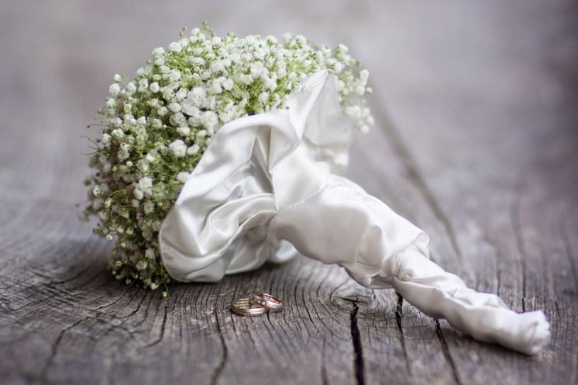 To najnowsze trendy w modzie ślubnej /123RF/PICSEL