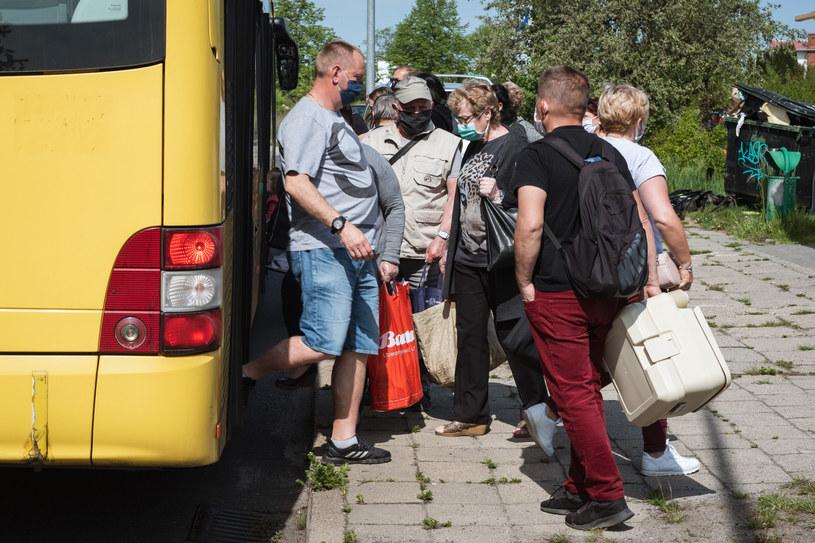 To nie jest bezpieczny sposób podróżowania /Piotr Dziurman /Reporter
