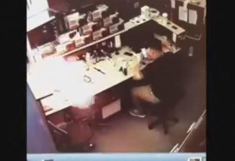 To nie pierwszy tego typu incydent z udziałem iPhone'a 6S /YouTube
