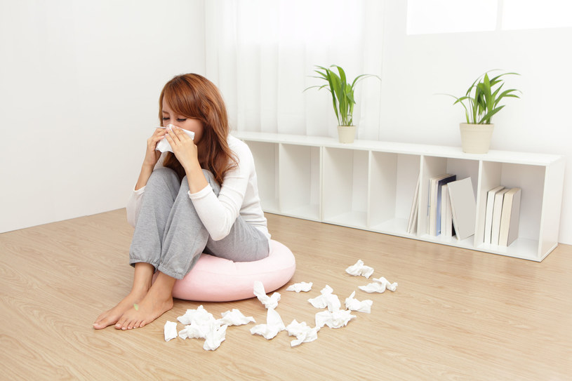 To nie zwykłe przeziębienie, choć objawy mogą być podobne. Alergia na roztocza często jest mylona z innymi dolegliwościami /123RF/PICSEL