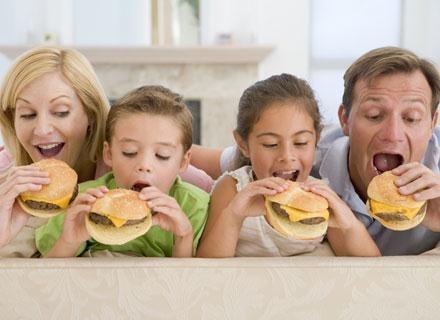 To rodzice są odpowiedzialni za otyłość dzieci /© Panthermedia
