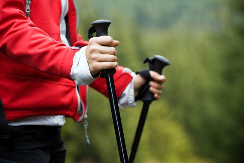 To sport, które poprawi twoją sprawność ruchową i kondycję, nie obciążając przy tym stawów /123RF/PICSEL