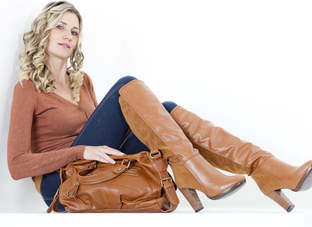 To, w jaki sposób nosisz torebkę, świadczy o tobie /123RF/PICSEL