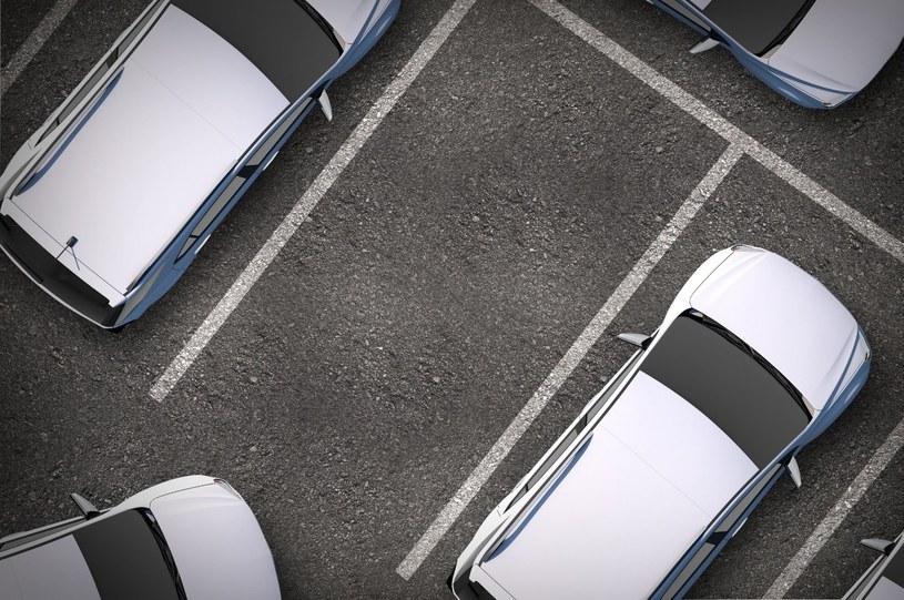 To, w jaki sposób parkujesz świadczy o twojej kulturze /123RF/PICSEL
