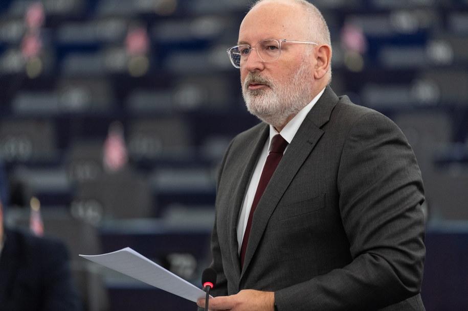 To wiceszef Komisji Europejskiej Frans Timmermans zdecyduje, czy wycofa z TSUE wniosek o środki tymczasowe i samą skargę /Patrick Seeger  /PAP/EPA