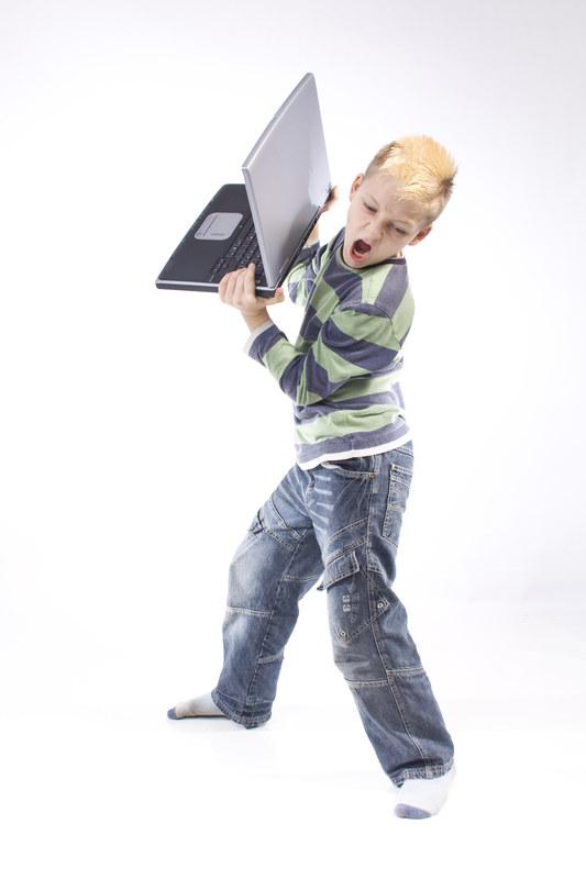 To zaburzenie częściej dotyczy chłopców i u nich też bardziej rzuca się w oczy  /© Panthermedia