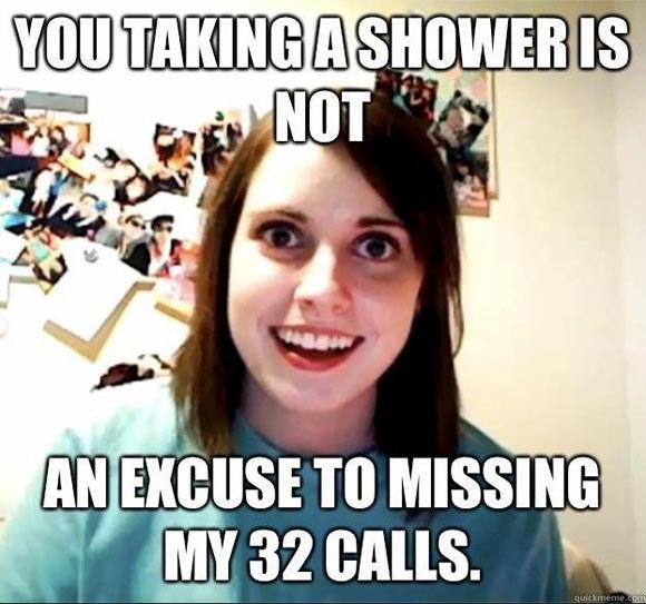"""""""To że brałeś prysznic, to nie powód, żeby nie odebrać 32 połączeń ode mnie"""" /materiały prasowe"""