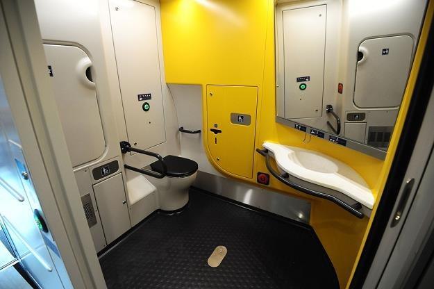 Toaleta w pendolino. Fot. PIOTR MATUSEWICZ /Agencja SE/East News