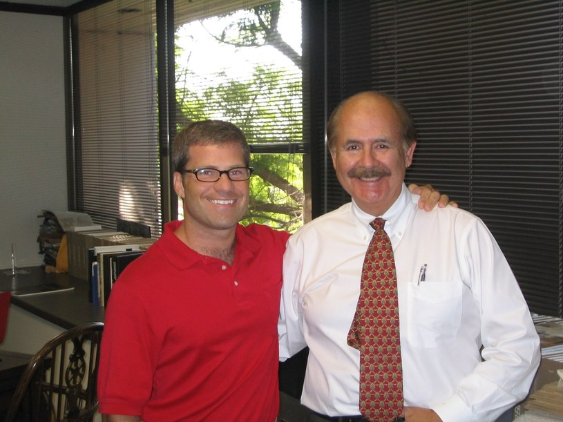Todd (z lewej) w swojej starej pracy.  Jeszcze przed zmianą życia na lepsze... /East News