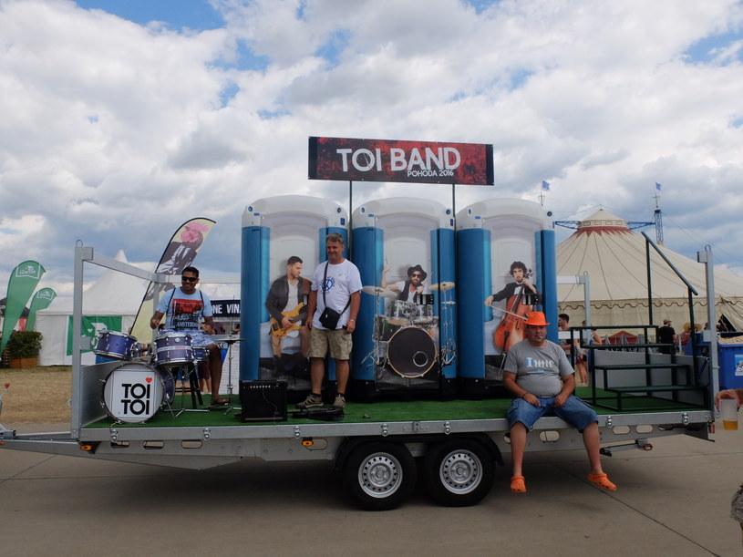 Toi Band /