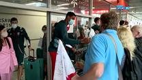 Tokio 2020. Polscy siatkarze wylądowali w Warszawie. Kibice przywitali mistrzów świata (POLSAT SPORT). Wideo