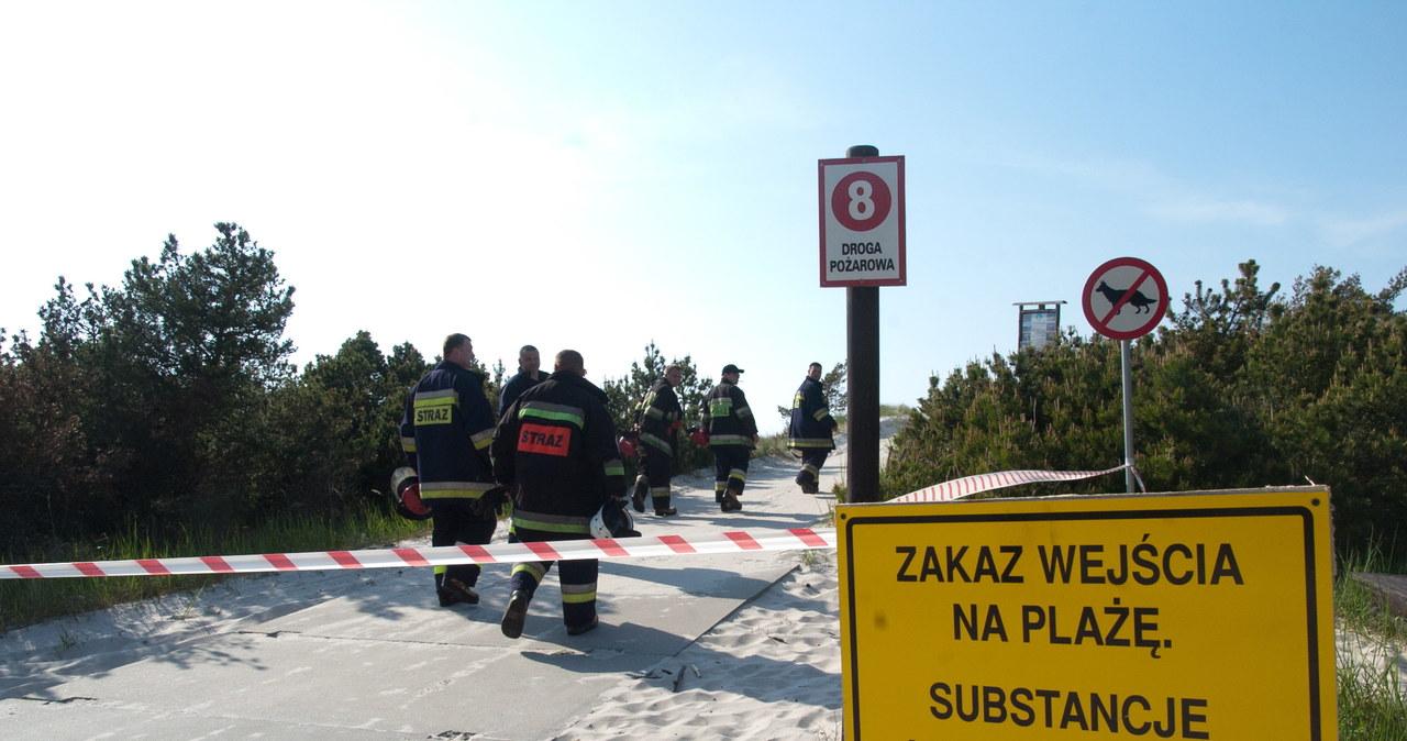 Toksyczna substancja na plaży w Czołpinie