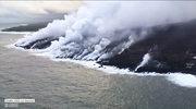 Toksyczne chmury nad Hawajami. Niesamowite nagranie lawy wpływającej do oceanu