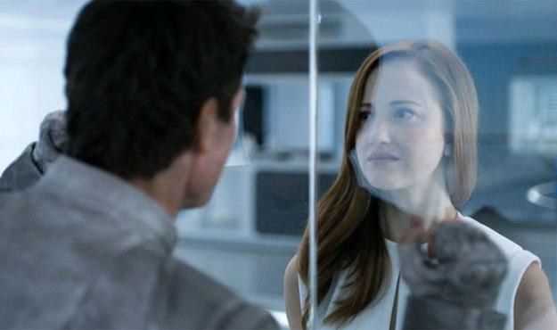 "Tom Cruise i Andrea Riseborough na planie filmu ""Niepamięć"" /materiały prasowe"