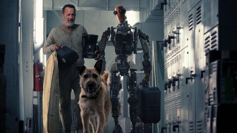 Tom Hanks, pies i robot w starciu z apokalipsą. Oto zwiastun filmu Finch [WIDEO] /Geekweek