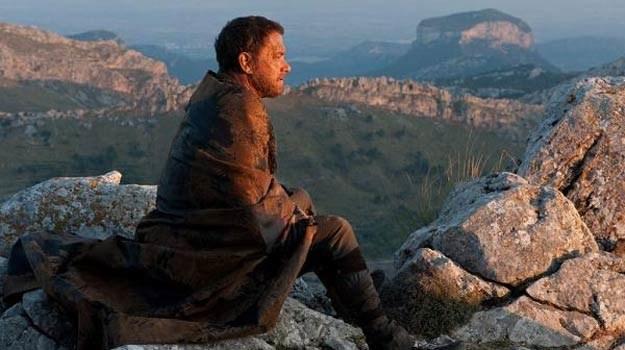 """Tom Hanks w jednym z 7 wcieleń w filmie """"Atlas chmur"""". /materiały dystrybutora"""