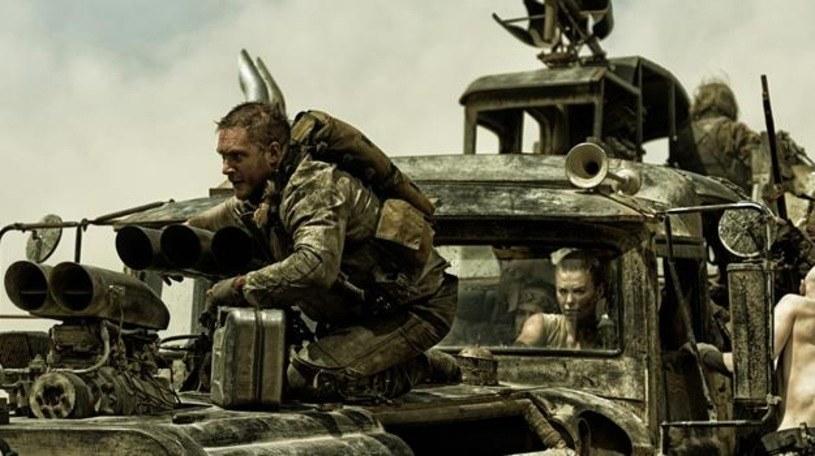 """Tom Hardy i Charlize Theron w filmie """"Mad Max: Na drodze gniewu"""" /materiały dystrybutora"""