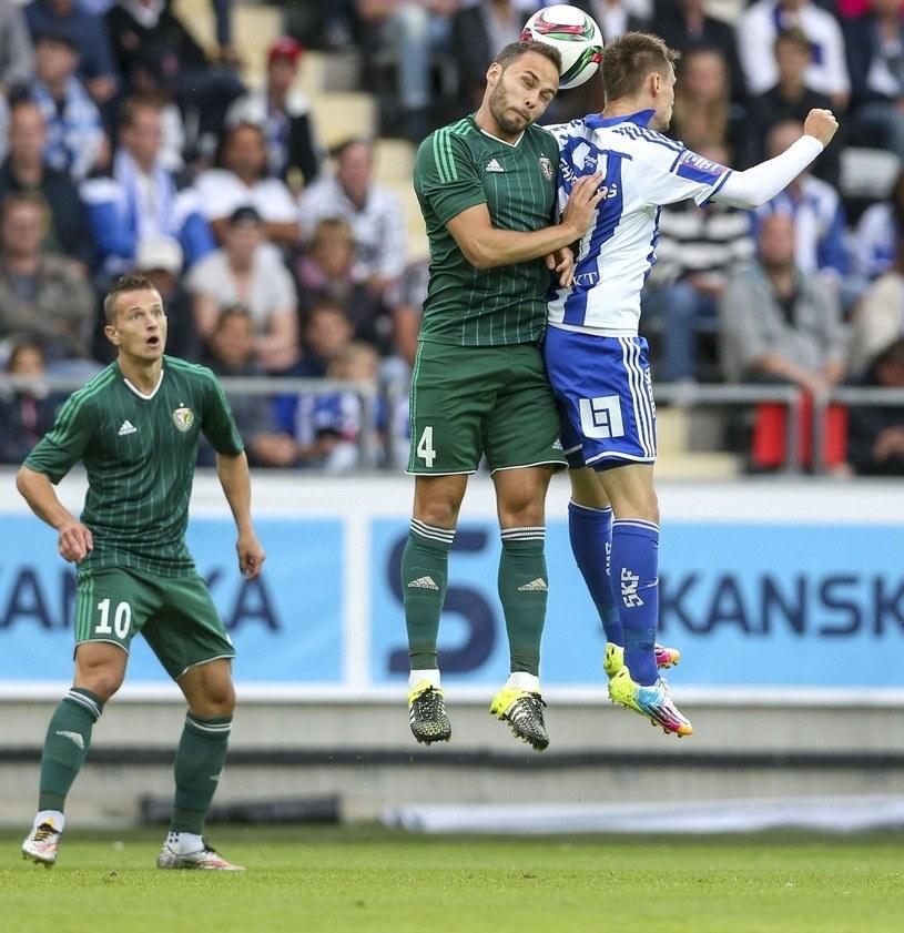 Tom Hateley (w środku) jeszcze w barwach Śląska Wrocław /AFP