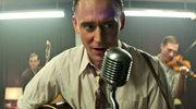 """Tom Hiddleston jako gwiazda muzyki country  (""""I Saw The Light"""")"""