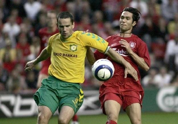 Tomas Kancelskis (z lewej), kapitan FK Szawle ma za sobą występy w reprezentacji Litwy /INTERIA.PL