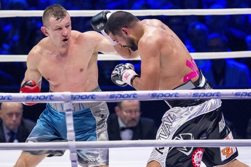 Tomasz Adamek przegrał ostatnią walkę przez nokaut z Erikiem Moliną /fot. Andrzej Iwanczuk /East News