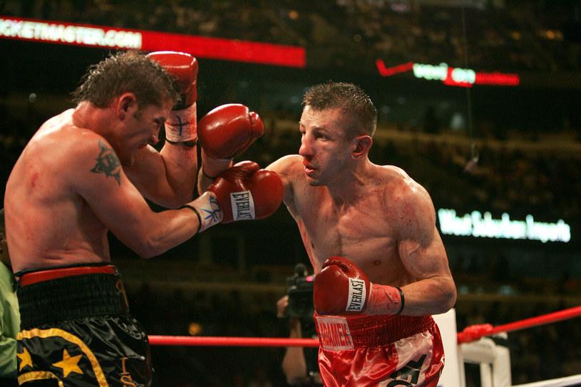 Tomasz Adamek w walce z Paulem Briggsem /Getty Images
