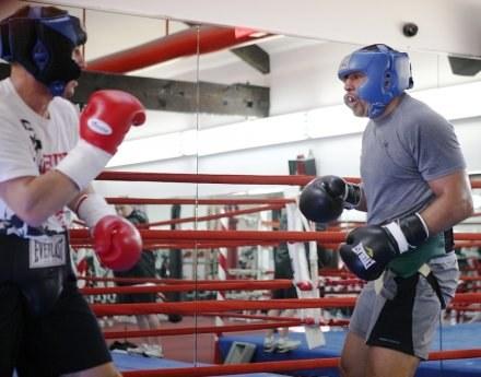 Tomasz Adamek (z lewej) na treningu przed walką z Andrzejem Gołotą, Fot Mike Gladysz /ASInfo