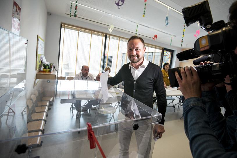 Tomasz Frankowski podczas głosowania w eurowyborach /Michal Kosc / FORUM   /FORUM