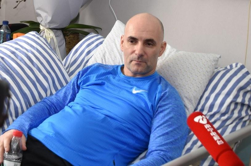 Tomasz Gollob szukał pomocy nawet w Chinach. Tu podczas pobytu w klinice w Nanning /Paweł Skraba/REPORTER /East News