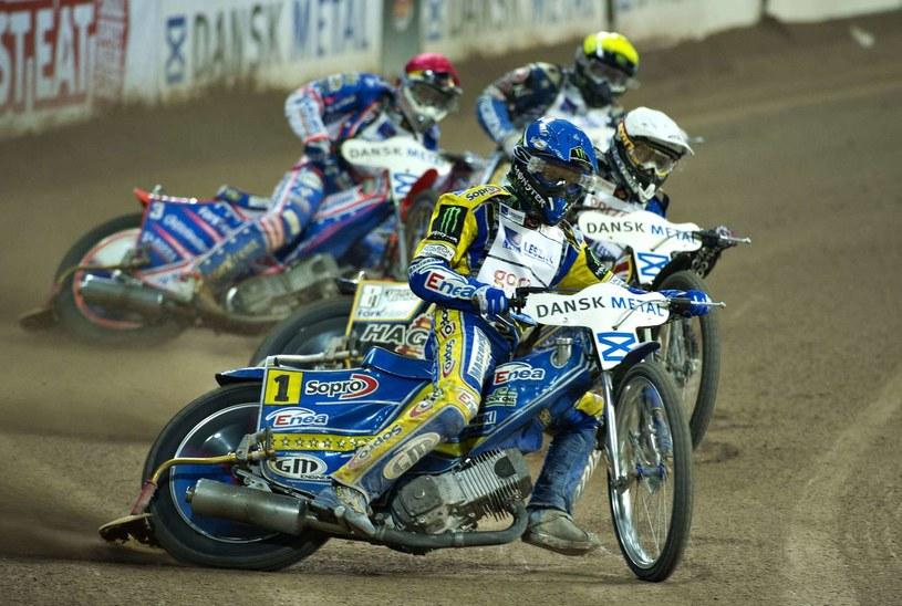 Tomasz Gollob (w niebieskim kasku) nie przebił się do półfinału. /. /AFP