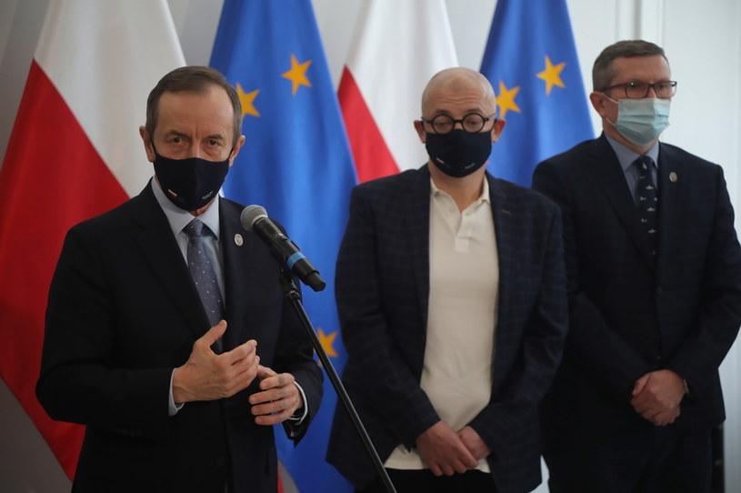 Tomasz Grodzki na konferencji prasowej /Wojciech Olkuśnik /PAP